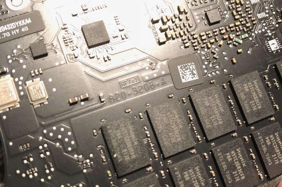 Apple-macbook-air-820-3208-a