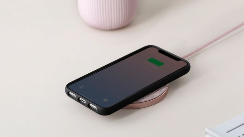 how do wireless chargers work